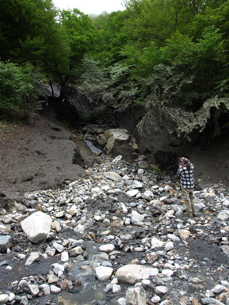 Crue du 2 juin 2017 à Aulus les Bains - Dégats au-dessus de la route du Col d'Agnes près du Plateau d'Agnesserre